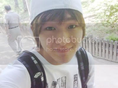 http://i869.photobucket.com/albums/ab258/azayme/onew.jpg
